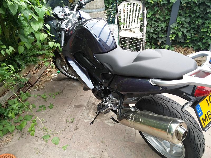 http://home.kpn.nl/mwarmels1974/motor/f800st_3_1.jpg