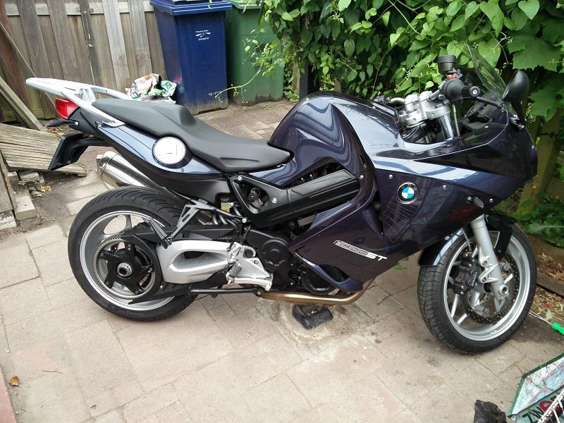 http://home.kpn.nl/mwarmels1974/motor/f800st_3_2.jpg