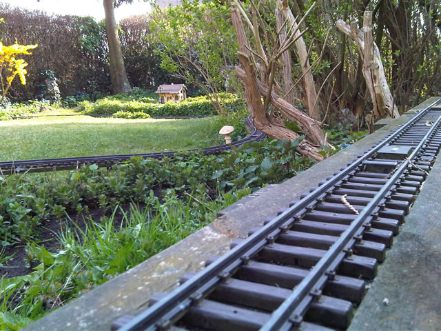 De tuinspoorbaan gartenbahn garden railways train jardin for Tuin opknappen