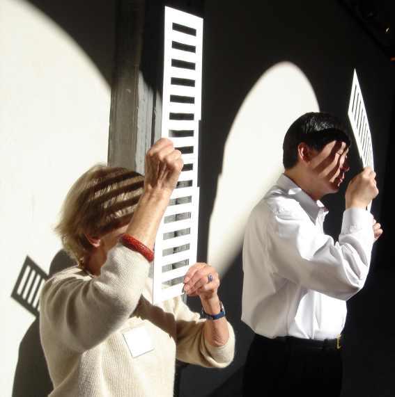 Eva Lothar (Paris) en Toshiyasu (USA), genieten van de zon