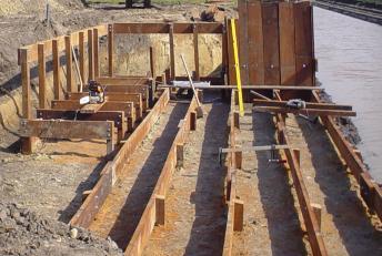 Houten Scheidingswand Tuin : Het gebruik van hout kan uw tuin op vele manieren verfraaien