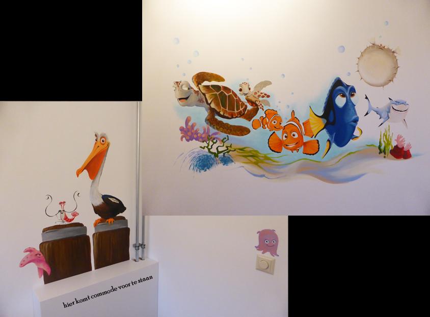 Behang Babykamer Utrecht : Onderwater muurschildering van Nemo en zn ...